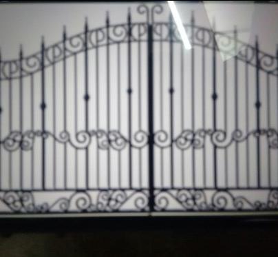 Steel Gate Fabrication Service