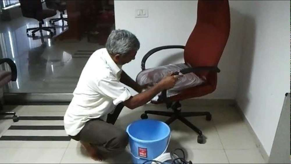 Chair Shampooing Services