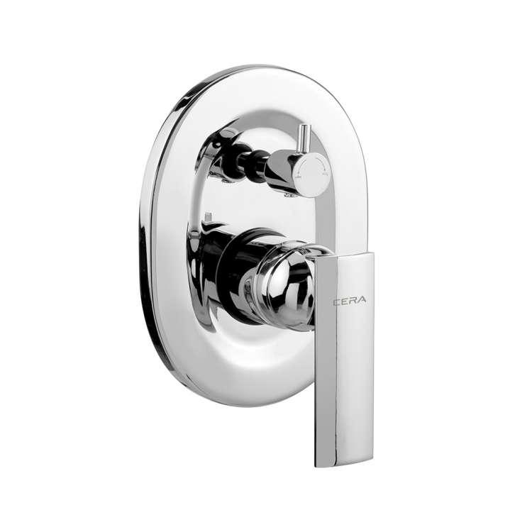 Turn type single lever concealed diverter