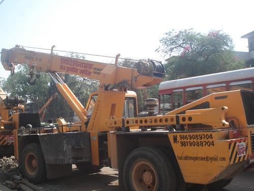 Telescopic Boom Crane Hire Service